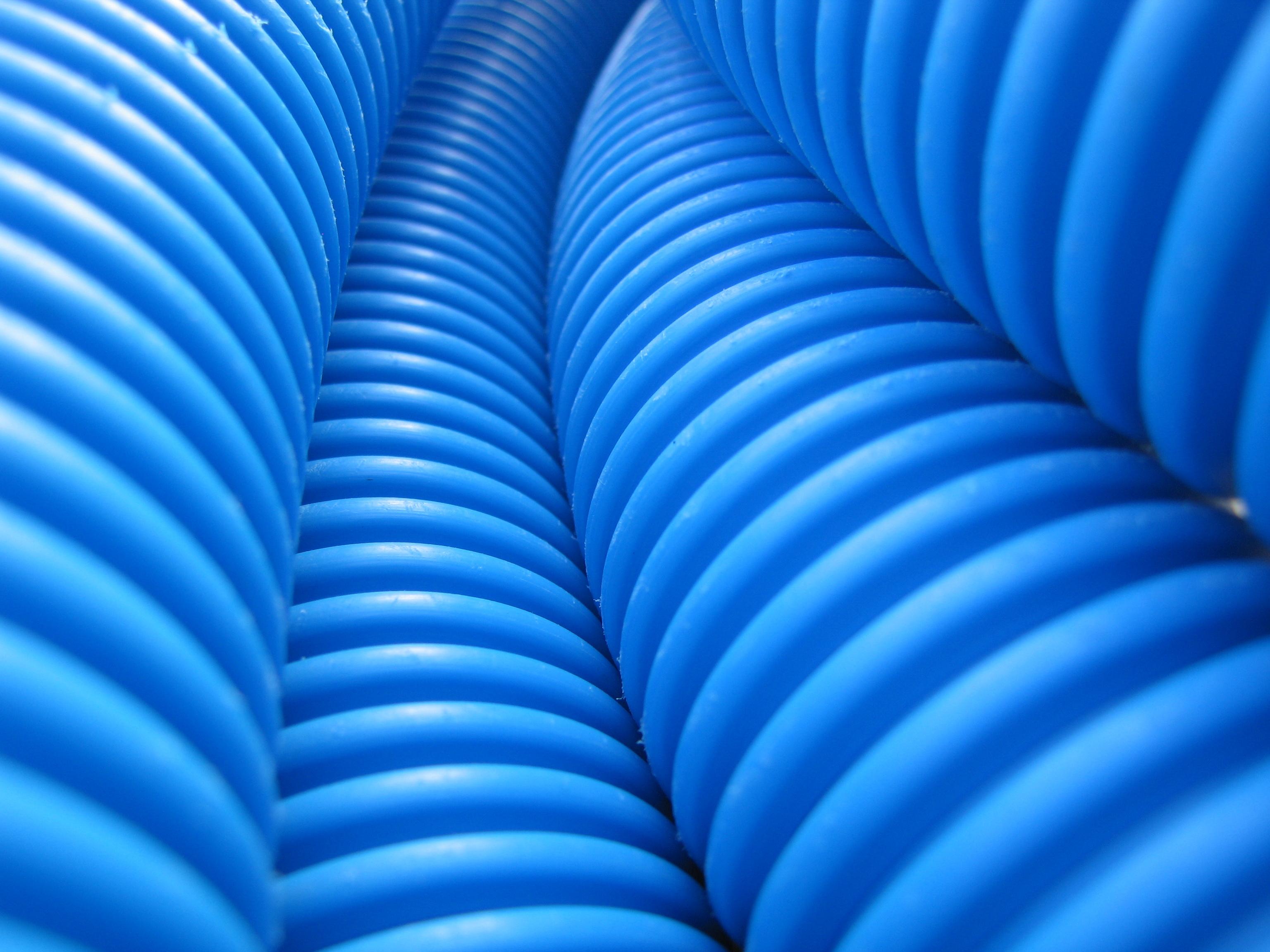 Come scegliere e posare i tubi protettivi elettro - Come trovare perdita acqua da un tubo interrato ...