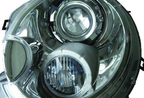 Il faro di una Bentley realizzato con tecnologie di stampa 3D dalla Skorpion Engineering (MI). Il prototipo funzionante è stato assemblato e montato su veicolo marciante