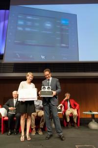 """Elisa  Menuzzo, Vice Presidente di Came S.p.A., ritira il premio """"Le Tigri"""""""