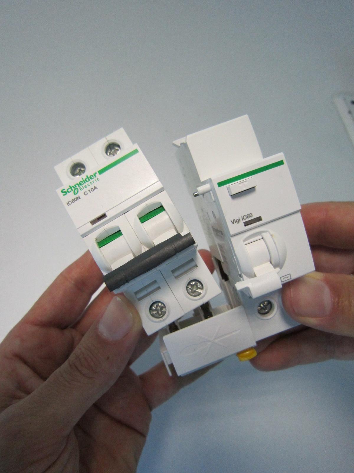 Schema Collegamento Differenziale Magnetotermico : Blocchi differenziali collegamento u201csenza pensieriu201d elettro
